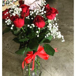 6 Roses in a Vase V21