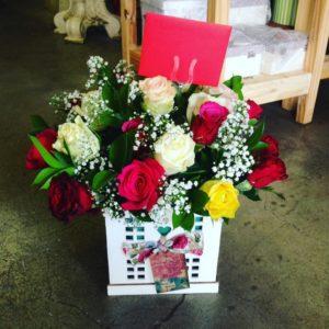 Mixed Roses in a Box V15